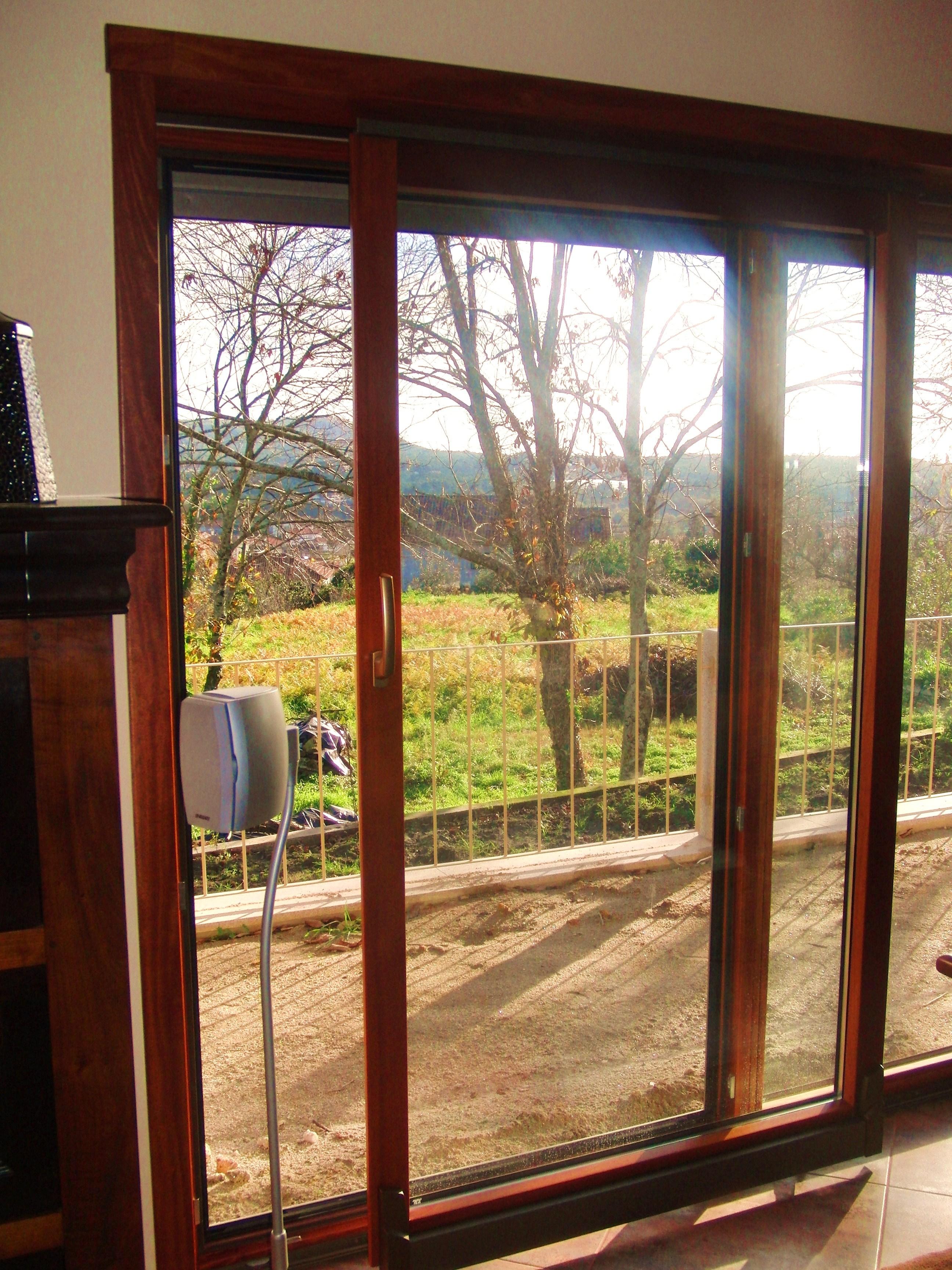 CAIXILHARIA MADEIRA janela em madeira corredora paralela janela oscilo  #997832 2592 3456